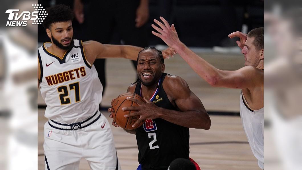 (圖/達志影像美聯社) NBA快艇禁區打爆金塊 系列賽1比0領先