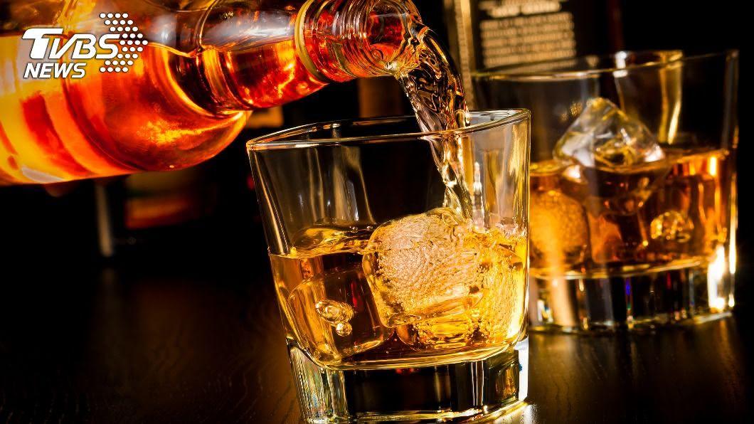 每年都以威士忌當作生日禮物。(示意圖/shutterstock 達志影像) 28年生日禮物都是威士忌 他一次全賣掉「賺回一棟房」