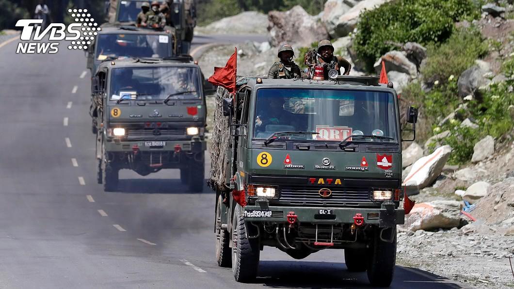 陸控印軍非法越線、鳴槍威脅。(圖/達志影像路透社) 中印邊境衝突加劇 共軍控印軍越線「鳴槍威脅」