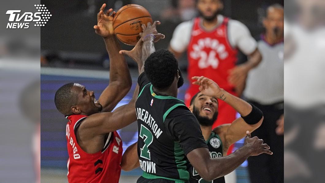 (圖/達志影像美聯社) 塞爾蒂克守死暴龍 NBA季後賽次輪聽牌