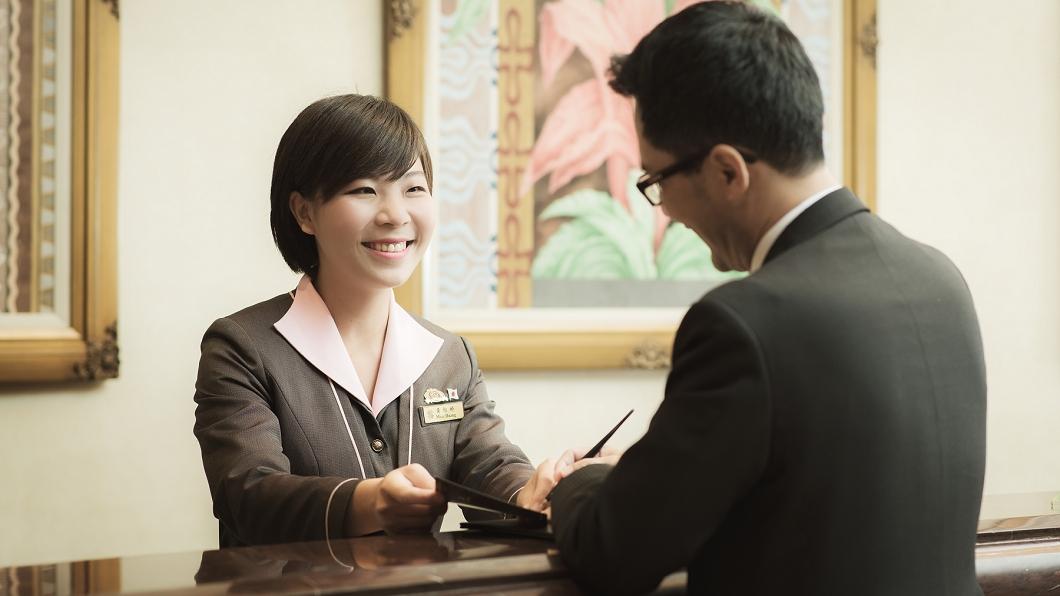 高雄漢來大飯店推出新優惠搶攻9月旅遊市場。(圖/漢來飯店提供) 最後衝一波!飯店推超值住宿加送百貨禮券