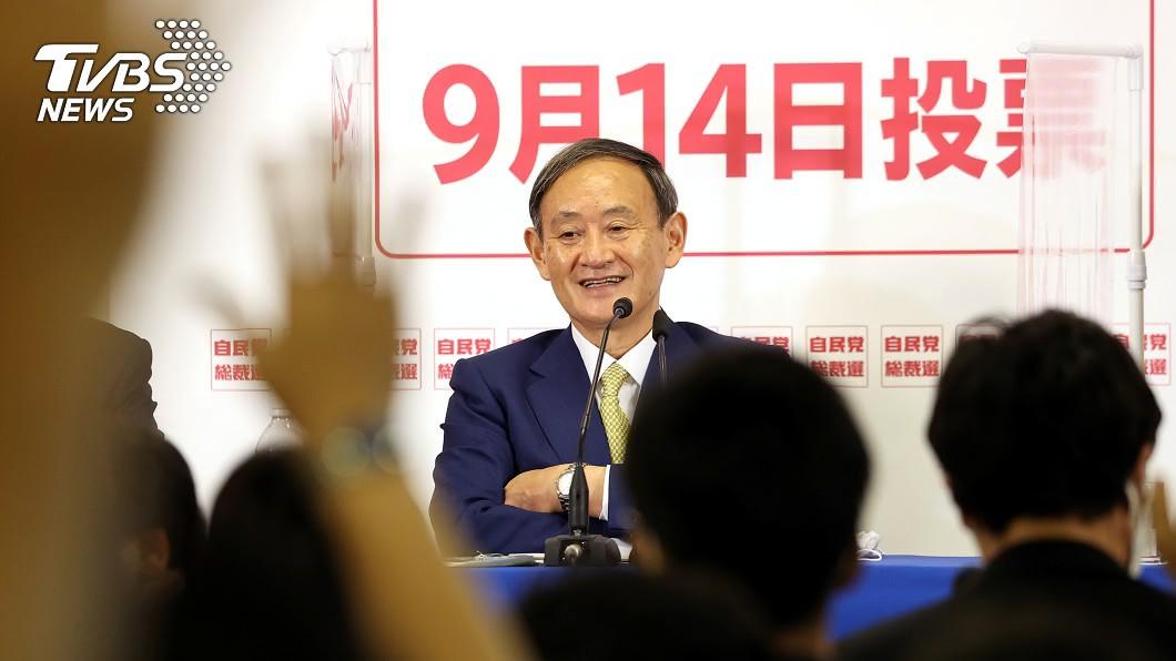 日本全國民調指出,近半數人支持內閣官房長官菅義偉勝選。(圖/達志影像路透社) 總裁選舉將開打!日媒全國民調:近半數支持菅義偉