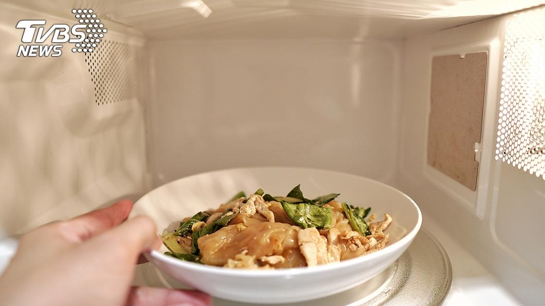 與事件無關。(示意圖/shutterstock達志影像) 婦怕浪費吃剩菜罹癌 醫揭「加熱NG食物」火鍋也中了