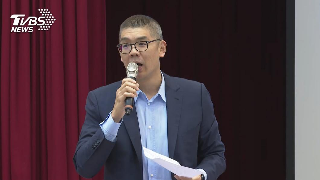 連勝文今日上王鴻薇的直播,提到自己對於2022縣市長大選的看法。(圖/TVBS資料畫面) 綠營推誰選2022台北市長?連勝文暗指:應該是他