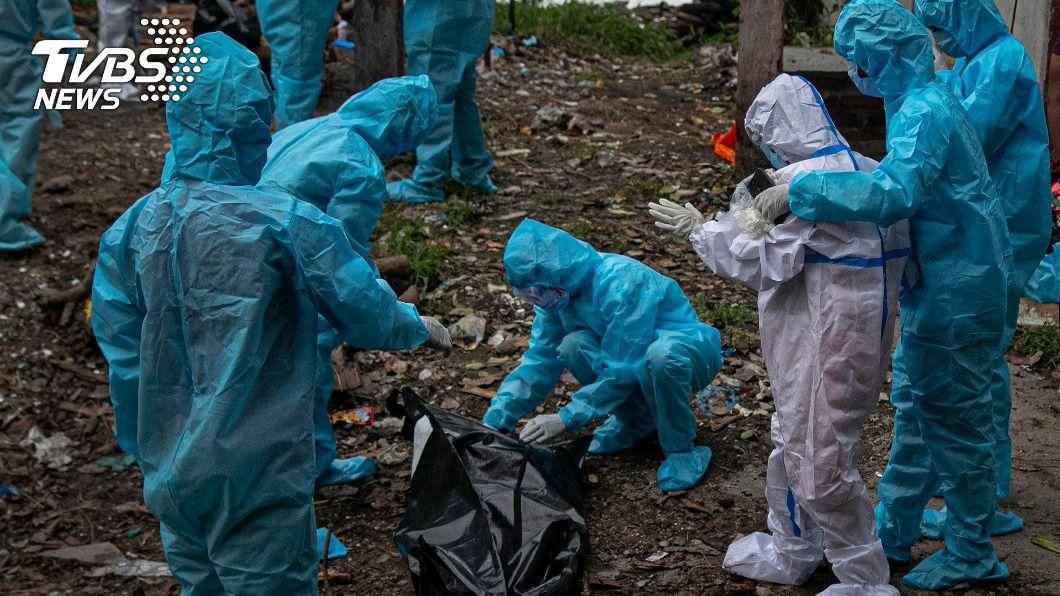 新冠肺炎疫情持續蔓延。(圖/達志影像美聯社) 新冠全球確診累計逾2791萬 死亡數破90萬