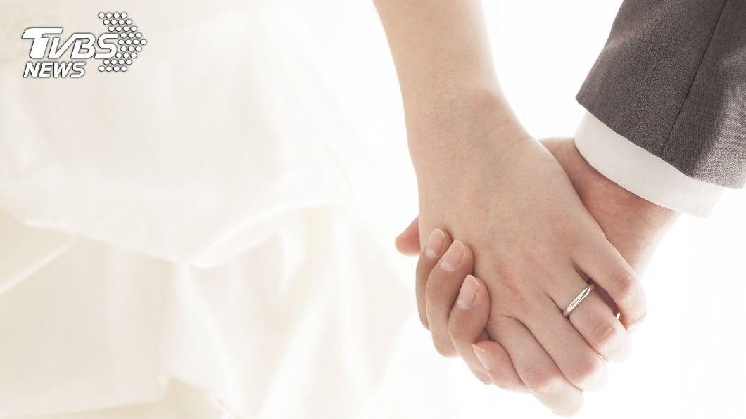 作者提到,亞洲人普遍觀念認為適婚齡就該結婚。(示意圖/shutterstock達志影像) 步入禮堂幸福美滿不是夢! 避開13種婚姻終結者