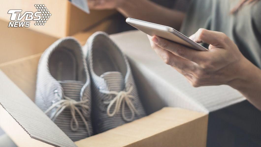 示意圖/shutterstock/達志影像 網購球鞋「保證穿得下」 他收貨傻眼:巨人穿的?