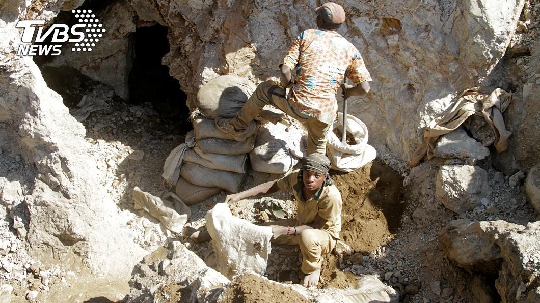 剛果傳出礦區崩塌意外。(示意圖/達志影像路透社) 剛果驚傳礦坑崩塌意外!估至少50人喪命