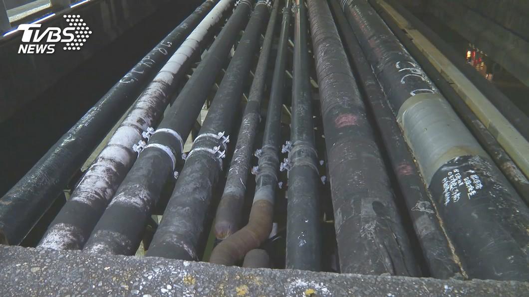 高雄市前鎮區乙烯洩漏點調查進入第12天。(圖/TVBS) 查乙烯洩漏有轉折 高市環保局:疑地下水污染所致