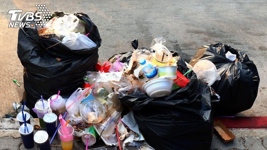 環保局啟用「零廢棄資源化系統」,日處理150噸生活垃圾。(示意圖/shutterstock達志影像) 雲林啟用零廢棄資源化系統 單日解決150噸垃圾囤積