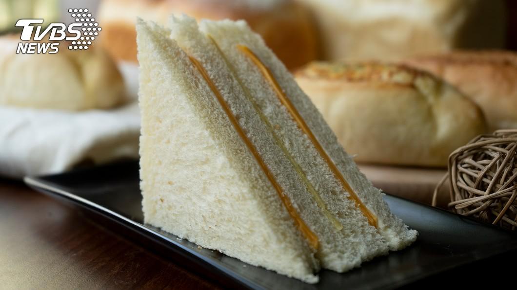 (示意圖/shutterstock達志影像) 早餐吃超商49元三明治!他打開見「精細刀工」秒驚呆