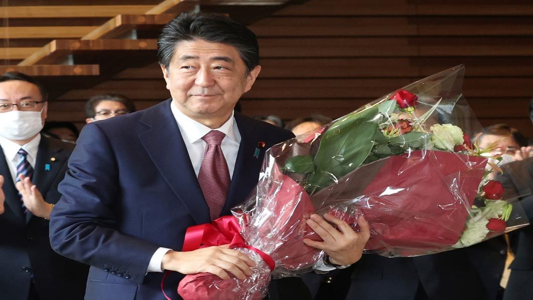 安倍7年8個月首相落幕 菅義偉無縫接軌