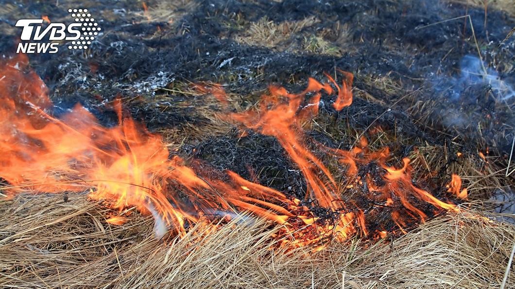 疑燃燒雜草被嗆昏 台中8旬老翁倒農地遭火噬
