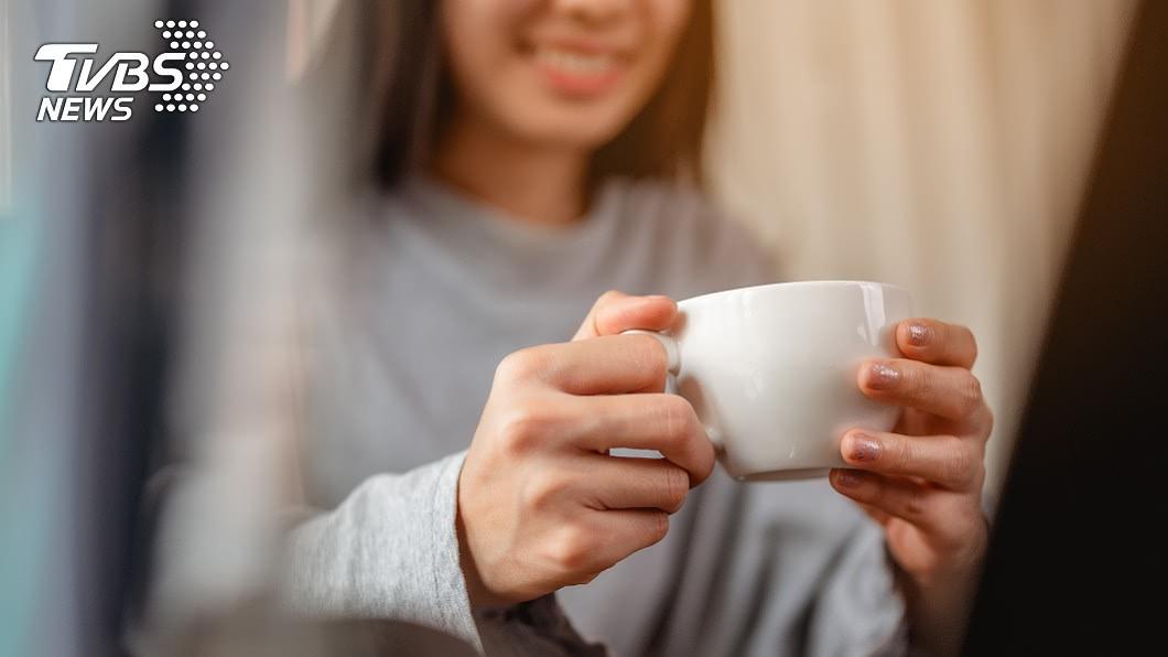 上班族對咖啡的需求量大,多家業者都在補班日推出優惠。(示意圖/shutterstock達志影像) 補班日不blue 咖啡買一送一小確幸優惠懶人包