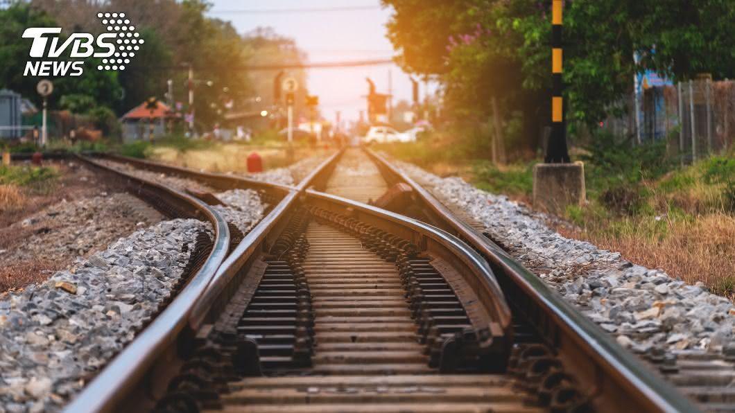 台鐵表示已在8月底前改善宜蘭線鐵路曲線不佳路段。(示意圖/shutterstock 達志影像) 宜蘭線8處曲線不佳路段 台鐵:已改善完成