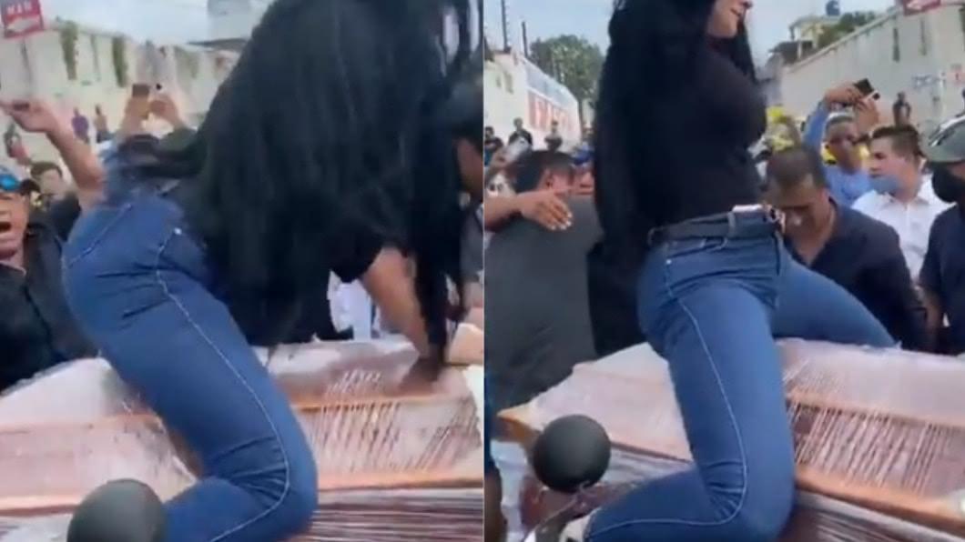 厄瓜多一名女子騎在男友的棺材上熱舞。(圖/翻攝自推特) 抬棺舞2.0!妙齡女扭腰熱舞「騎棺材」嗨到吻遺體