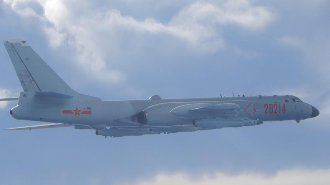 空軍司令部表示,有包含轟6機在內等18架共機擾台。(圖/翻攝自國防部官網) 18架共機擾台!空軍司令部:逼臨新竹68公里