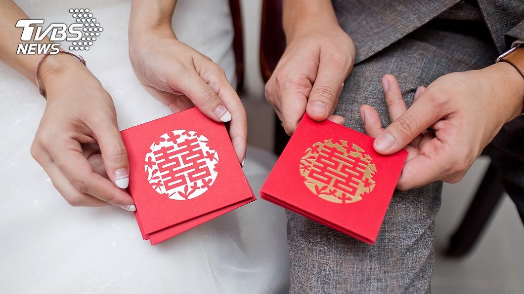 參加親朋好友或同事婚禮,紅包金額包多少是一門重要學問。(示意圖/shutterstock 達志影像) 獨自吃同事喜酒包3600元 新娘竟嫌:包那麼少?