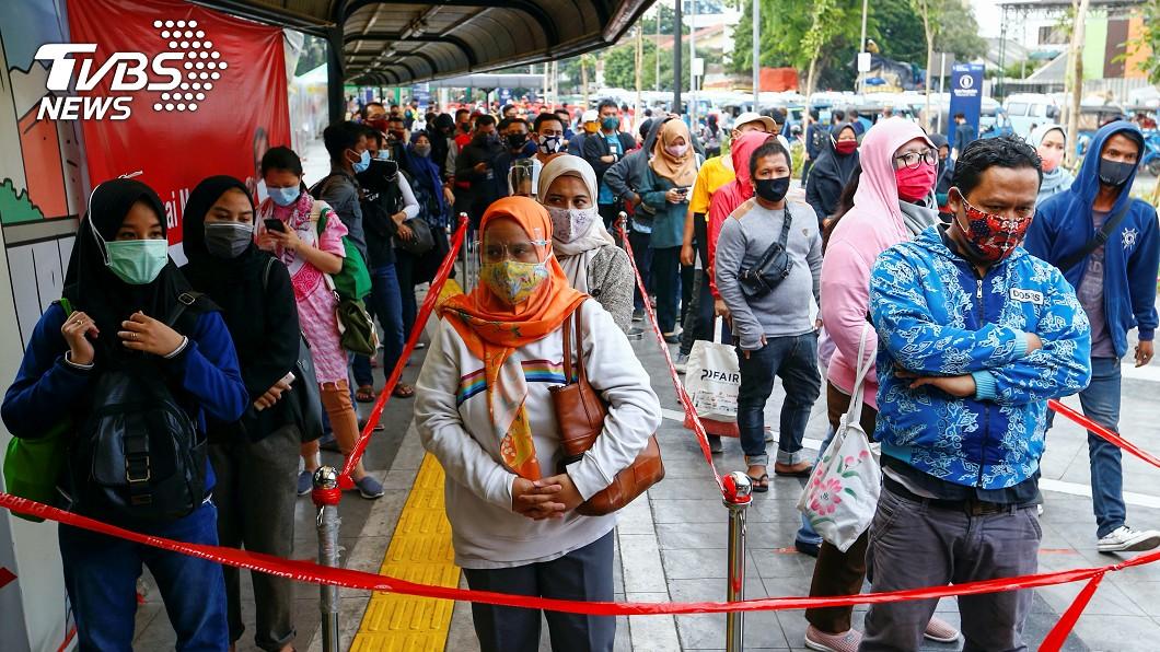 印尼單日新增4168例新冠確診刷新紀錄。(圖/達志影像路透社) 東南亞疫情延燒!印尼單日新增4168例確診創紀錄