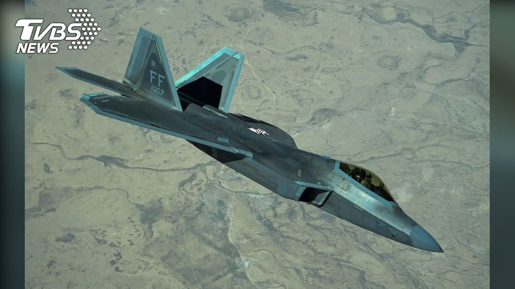 (示意圖,圖為F-22戰機/達志影像美聯社) 直搗北京!美第6代戰機衝大陸「中途免加油」