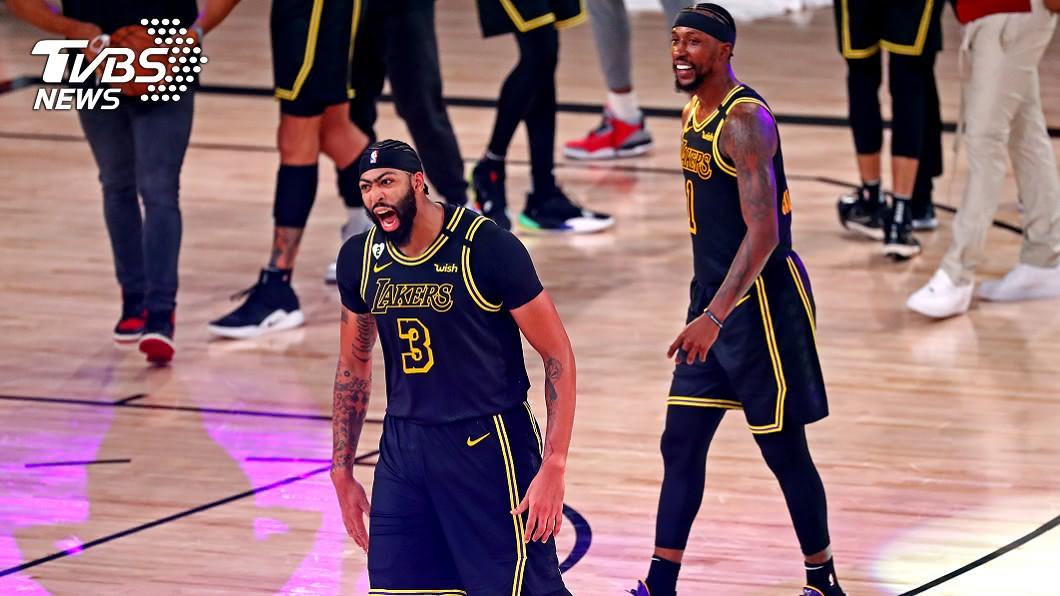 NBA湖人前鋒戴維斯。(圖/達志影像路透社) 戴維斯壓哨絕殺 詹姆斯:若在主場歡呼聲將掀頂