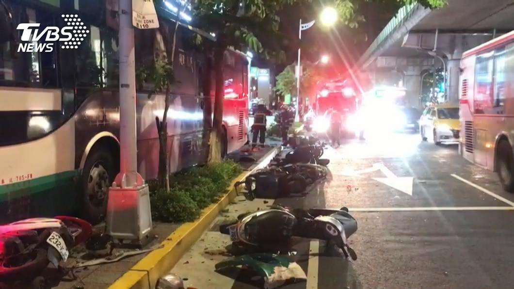 圖/TVBS 內湖公車衝人行道撞死人!肇事駕駛認了最近曾吸安非他命
