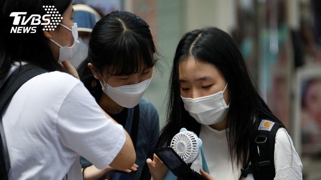 韓國疫情趨緩,確診連續3天降至雙位數。(圖/達志影像路透社) 強化防疫奏效! 韓國確診連3天降至雙位數