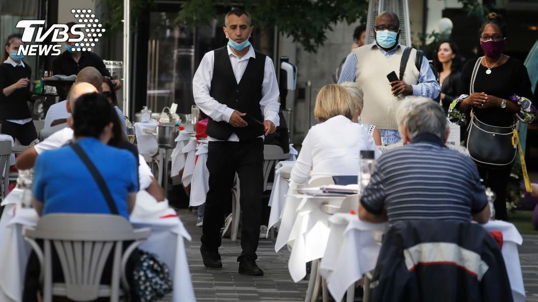 (圖/達志影像美聯社) 第2波疫情迅速蔓延 英國首相將再祭封鎖令