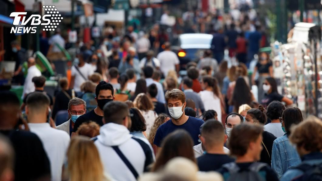 新冠肺炎全球蔓延,截至22日已逾96萬人死亡。(圖/達志影像路透社) 9/23全球疫情最新情報 已逾96萬人不治