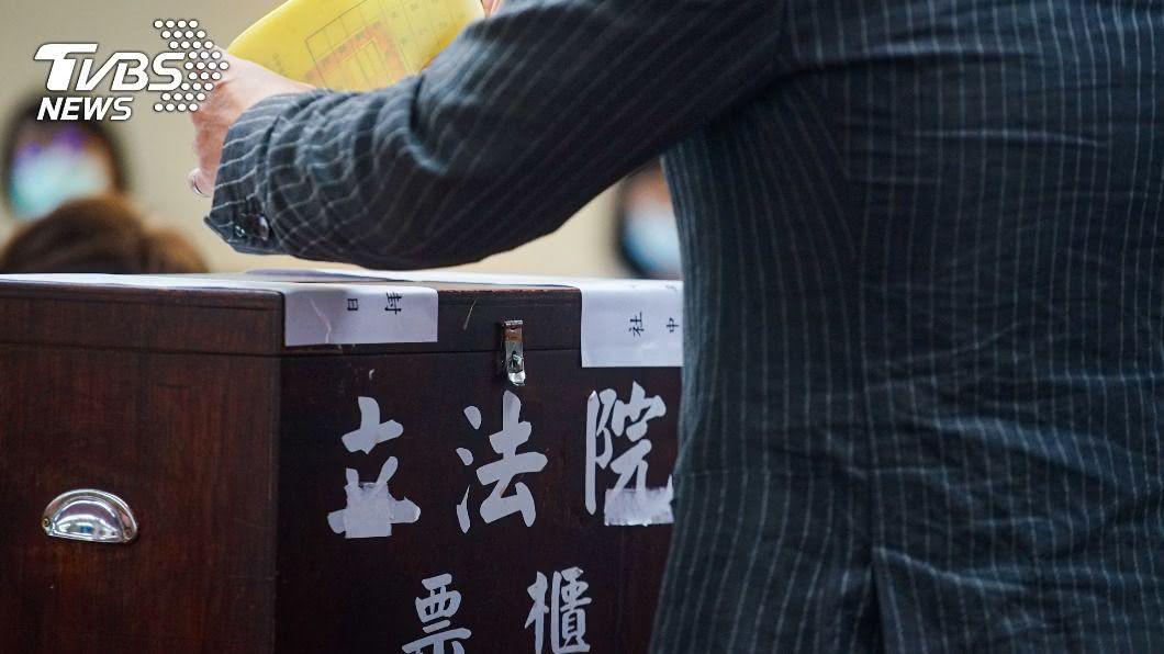 (圖/中央社) 藍白立院首度合作助國民黨奪7席召委 時力2席投綠