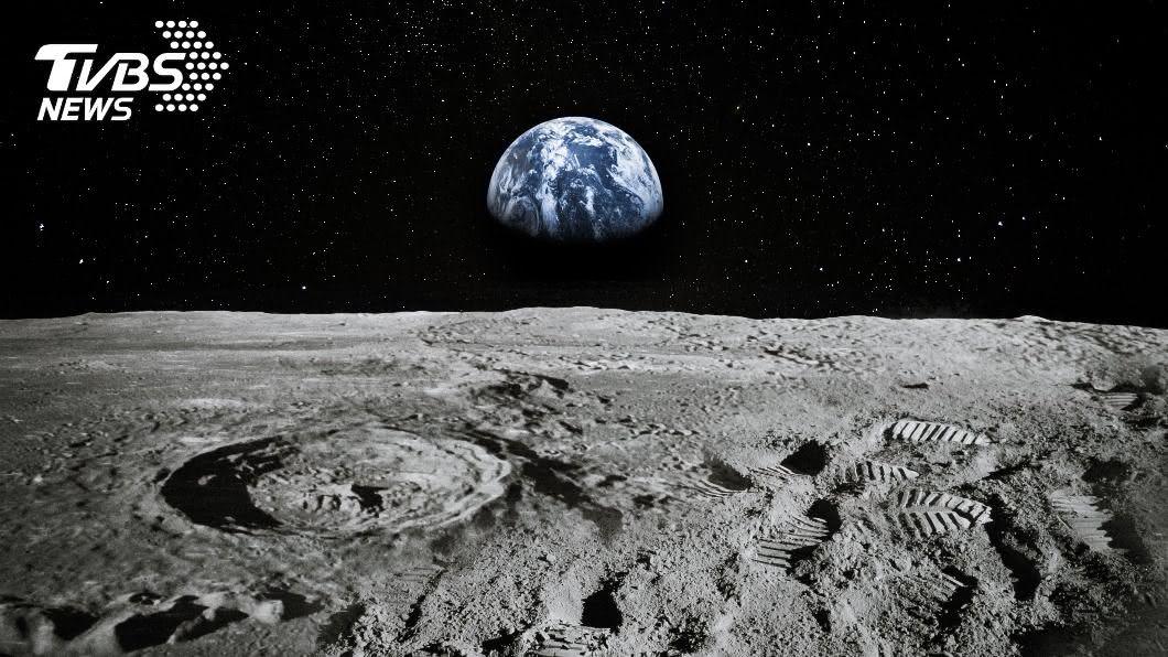 一名巴基斯坦男子以美金45元買下一塊月球土地「蒸氣海」。(示意圖/shutterstock達志影像) 月亮代表我的心! 巴男購千坪「月球」霸氣寵妻