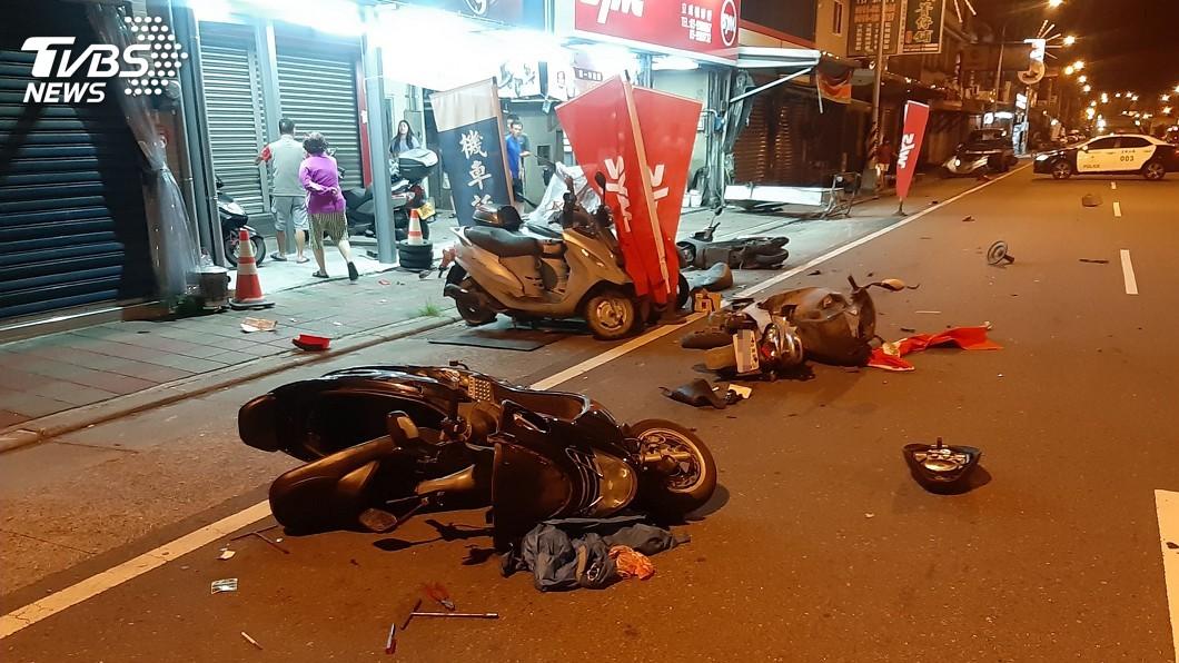 (圖/中央社) 男酒駕撞路邊6機車逃逸 車內呼呼大睡詢後送辦