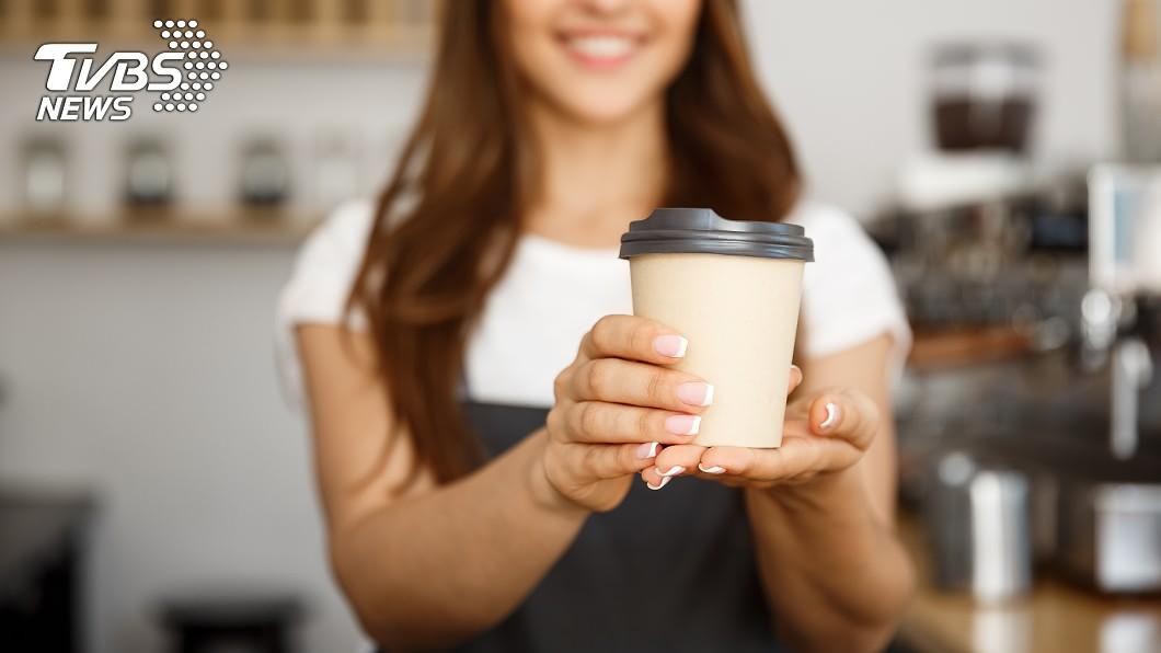 與事件無關。(示意圖/shutterstock達志影像) 身分證拿出來!「中2碼」咖啡買1送2 爽喝1個月