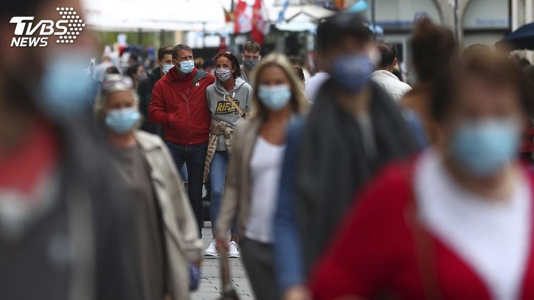 自爆發新冠疫情以來,通報確診已近323萬例。(圖/達志影像美聯社) 全球若不集體行動 WHO:染疫致死恐達200萬人