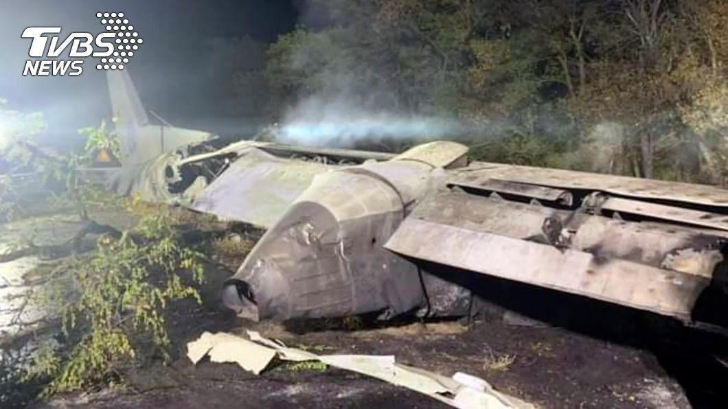 圖/達志影像美聯社 疑引擎故障!烏克蘭軍機墜毀 25死2重傷