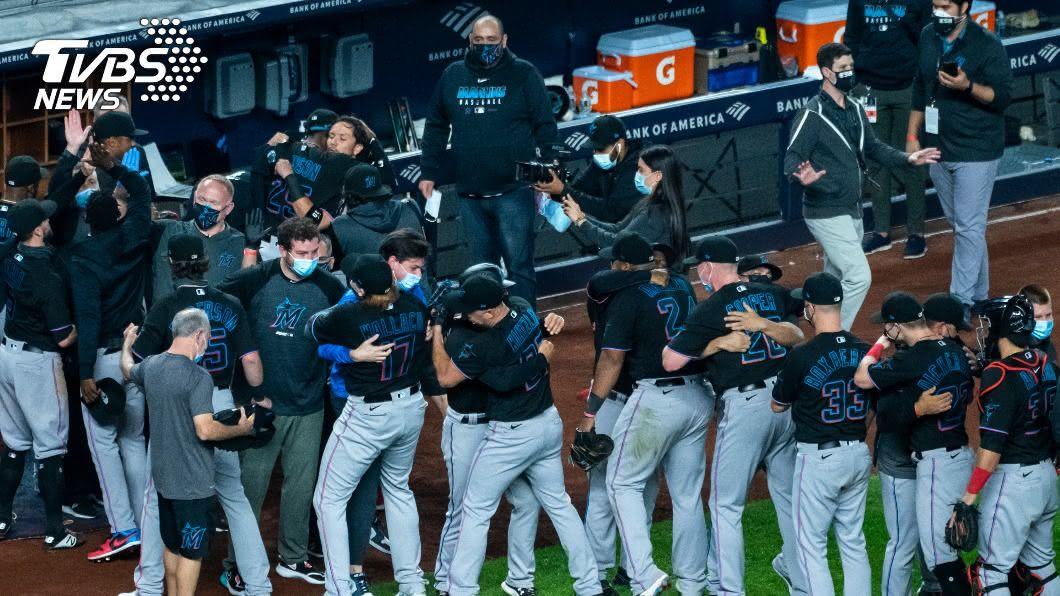 MLB馬林魚睽違17年再闖季後賽。(圖/達志影像美聯社) 馬林魚延長賽勝洋基 睽違17年再闖季後賽