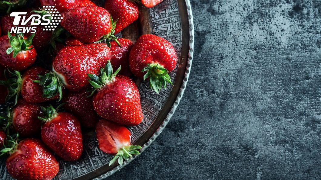 示意圖/shutterstock 達志影像 澳洲「草莓藏針」事件重演 女子舌頭遭刺傷