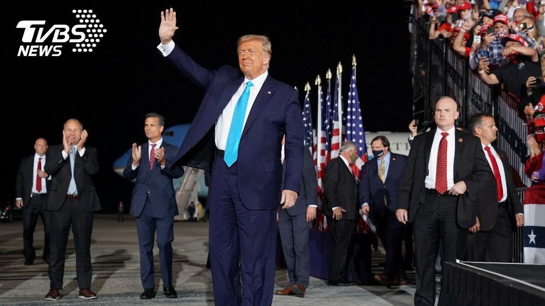 美國大選在即,首場辯論會將於29日登場。(圖/達志影像路透社) 川普再質疑拜登神智 要求首場辯論會前後藥檢