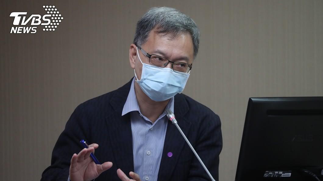 衛福部次長薛瑞元說明防疫經費用途。(圖/中央社) 52億防疫預算「用途不明」 衛福部:因應疫情使用