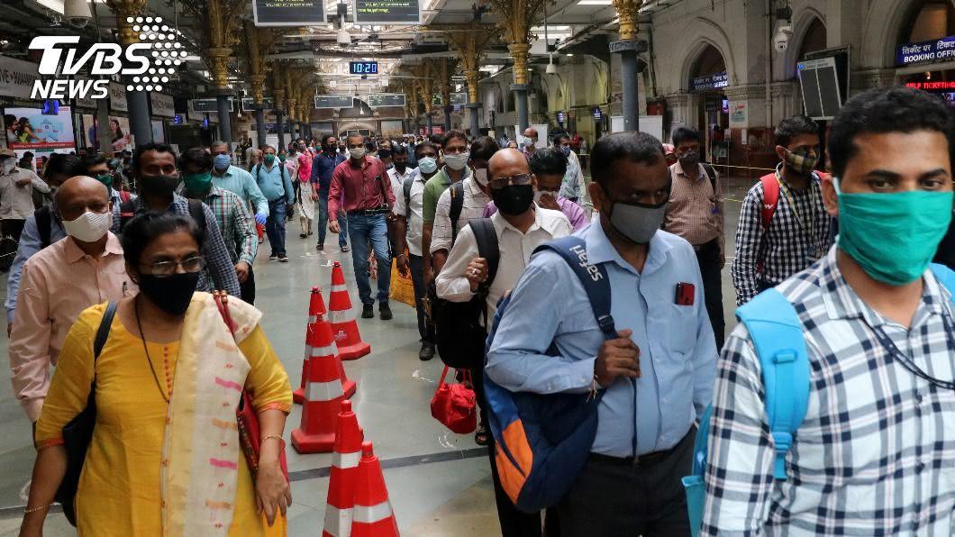 第二波疫情傳播快,印度確診破600萬。(圖/達志影像路透社) 印度確診數飆破600萬 新冠肺炎全球最新情報