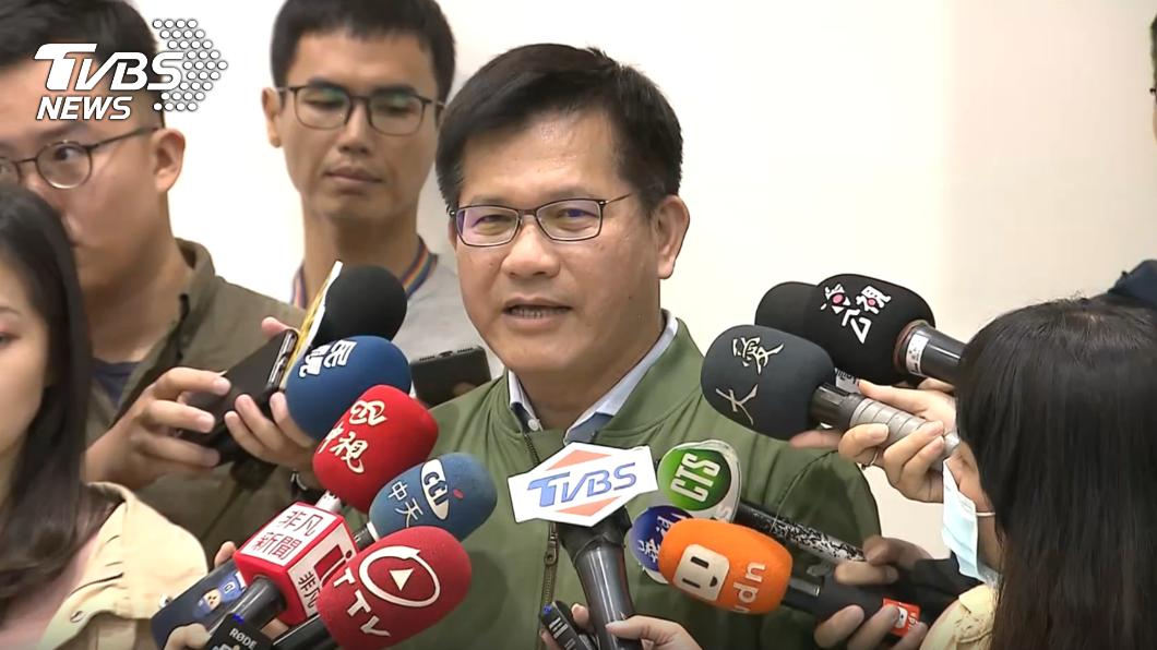 連假較過去疏運順暢,交通部長林佳龍表示接下來2天北上車潮仍是嚴厲考驗。(圖/TVBS) 連假疏運不鬆懈 林佳龍:接下來2天北上嚴厲考驗