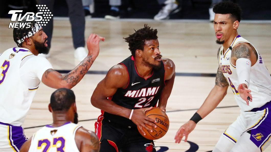 巴特勒「大三元」帶領下,熱火擊敗湖人。(圖/達志影像路透社) 巴特勒「大三元」痛擊湖人 NBA熱火扳回一城