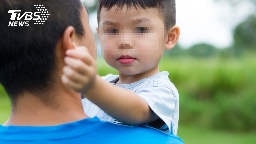 3歲兒隔天驚吐,讓他才相信亡兄真回來託夢。 (示意圖/shutterstock達志影像) 亡兄夢中託孤!3歲兒「1句驚吐」 他淚扛責任:放心去