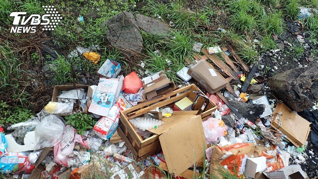 荒野保護協會調查,淡水河流域清出18萬公升垃圾。(圖/中央社) 淡水河流域清出18萬公升垃圾 關渡蘆洲最嚴重