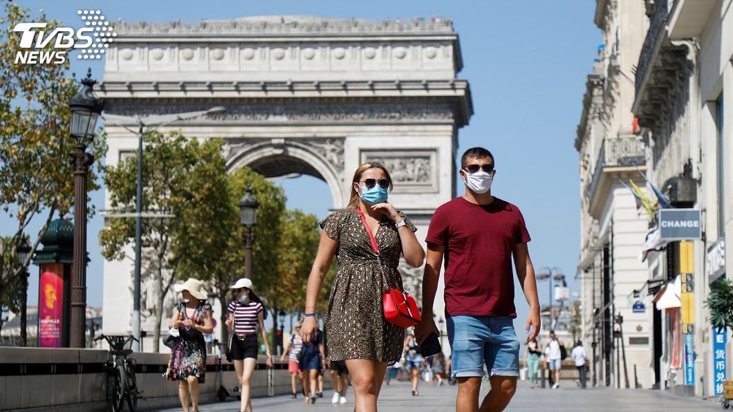 法國巴黎進入最高警戒,酒吧咖啡廳停業至少15天。(圖/達志影像路透社) 疫情未歇!巴黎進入最高警戒 新冠肺炎全球最新情報