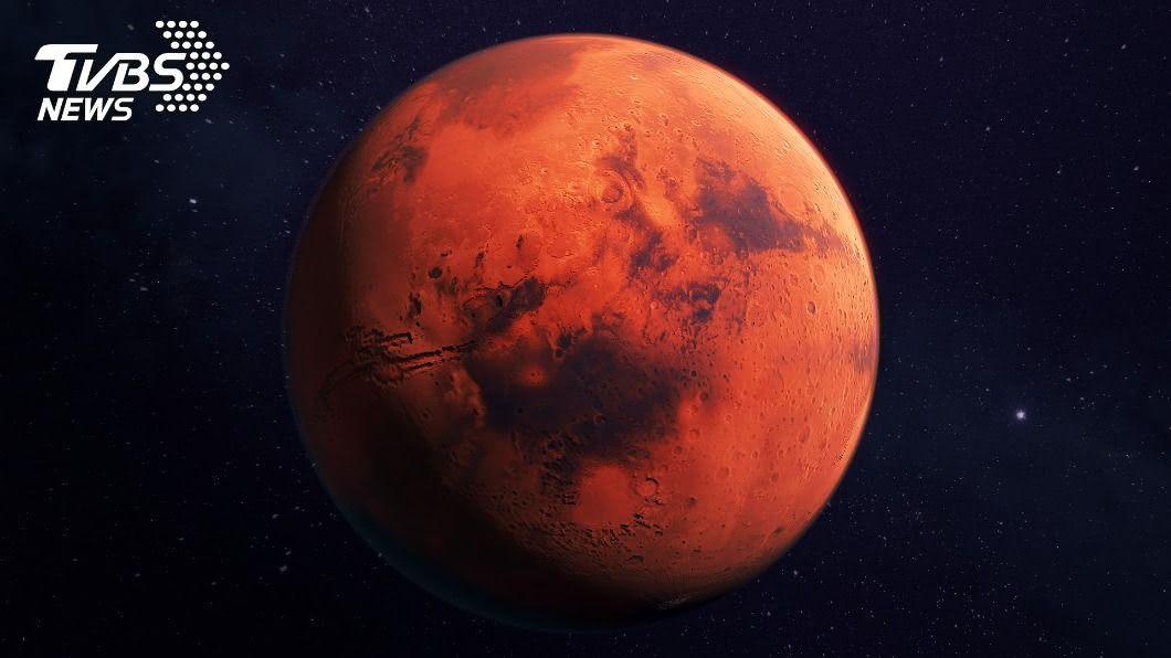 火星在今(6)日10點18分將離地球最近,下次將等到2035年。(示意圖/shutterstock 達志影像) 全台都能看見!火星今晚離地球最近 整夜高掛星空