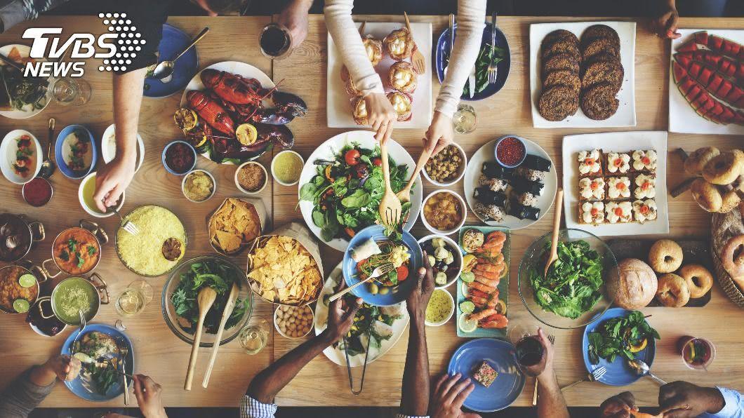 示意圖/shutterstock 達志影像 餐廳禁設低消!陸河北省祭法規 罰浪費食物