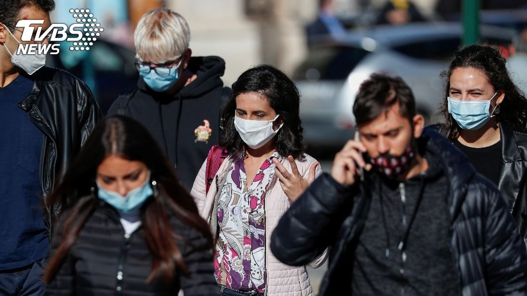 義大利新增4458人確診,是自4月12日以來首度單日染疫破4千例。(圖/達志影像路透社) 義大利確診突破4000例 累計3萬多人染疫亡