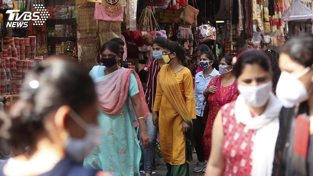 印度疫情直逼美國。(圖/達志影像美聯社) 印度確診破700萬例疫情直逼美國 全球疫情最新情報