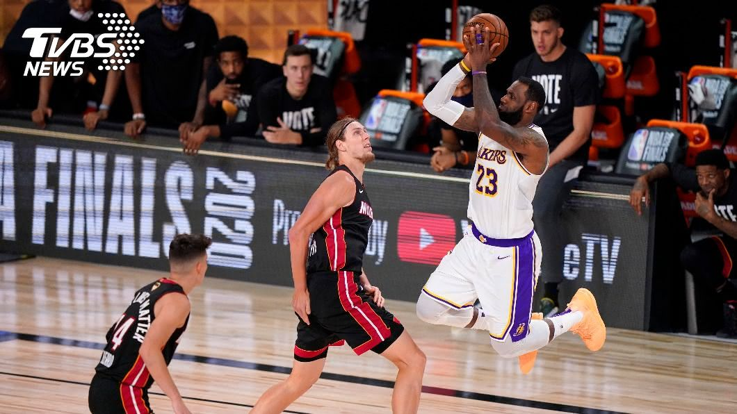 洛杉磯湖人成功封王。(圖/達志影像美聯社) NBA湖人奪隊史第17冠 追平塞爾蒂克並列最多冠